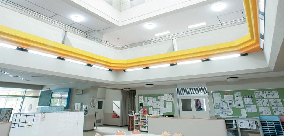豊かな自然に囲まれた学校