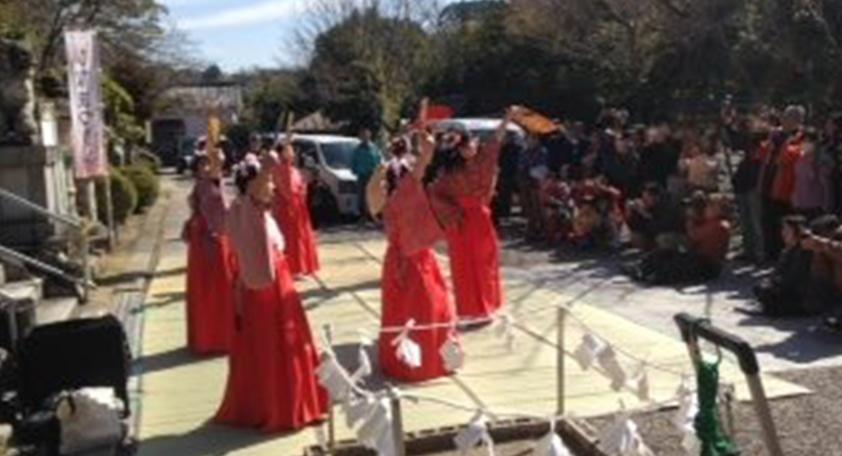 粉河産土神社ひな祭り「孔雀の舞」奉納